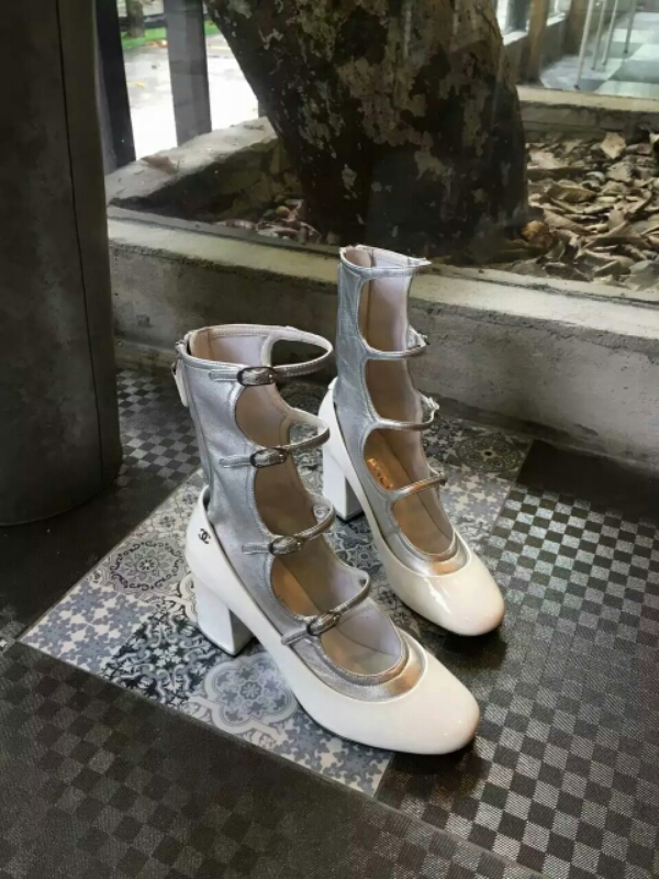 Chanel系列玛丽珍鞋 复古中又带些甜美的款式
