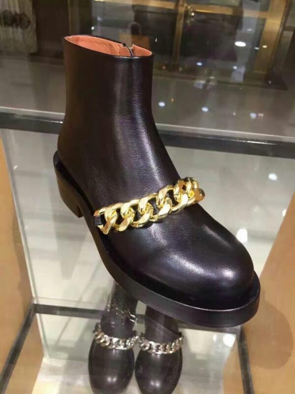 GIVENCHY纪梵希中国官网新款女鞋靴萧亚轩呛口小辣椒同款金色链条真皮短靴