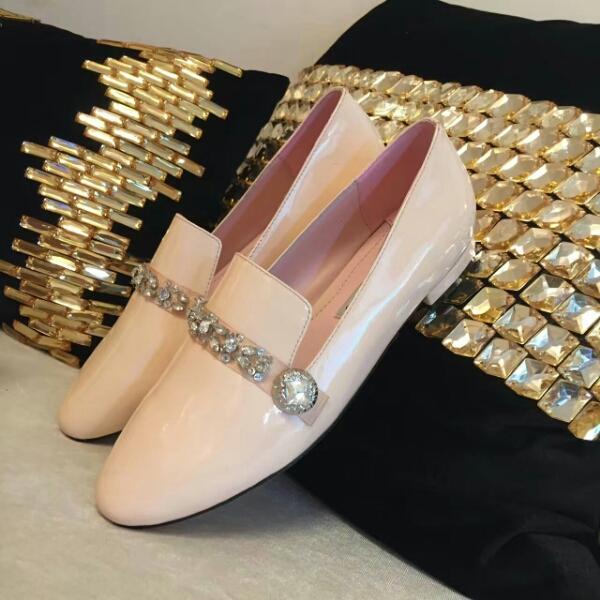 Miu Miu2016年秋冬款单鞋 极具简单一字带水晶钻饰单鞋