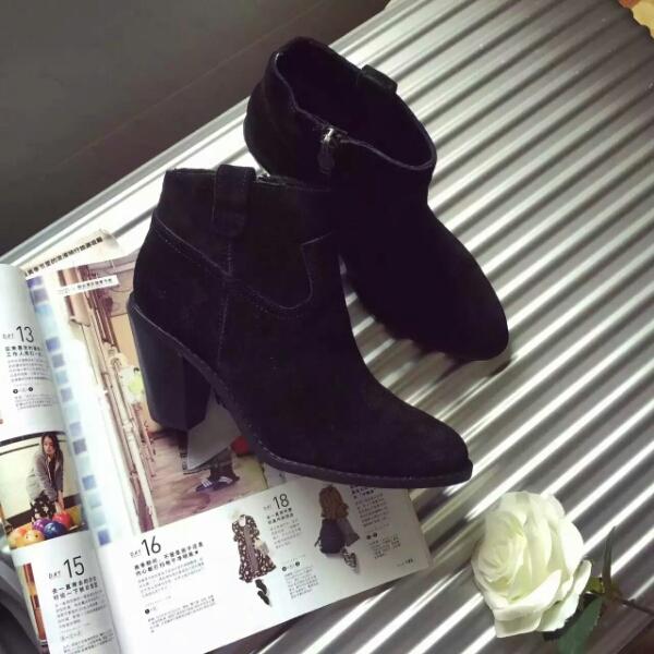 ASH专柜秋冬新款同步上市 复古简约粗跟小短靴