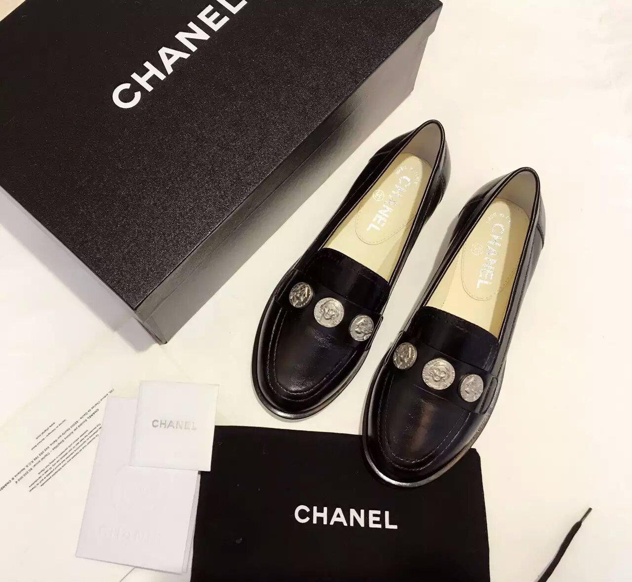 Chanel 16AW 巴黎在罗马系列顶级头像钱币款平底单鞋_乐福鞋