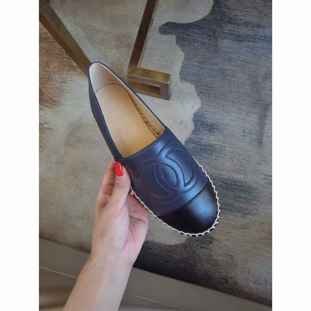 【CHANEL香奈儿】皮面渔夫鞋
