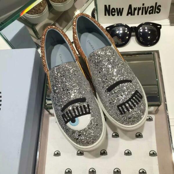 博主皇后Chiara Ferragni家的2016款乐福鞋