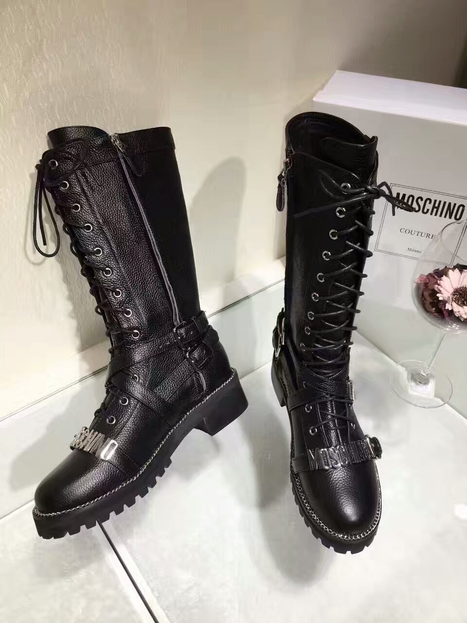 Moschino莫斯奇诺字母骑士军靴 重量级版本