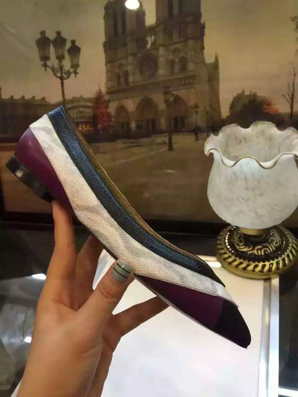 【独家】Salvatore Ferragamo最新款平底单鞋
