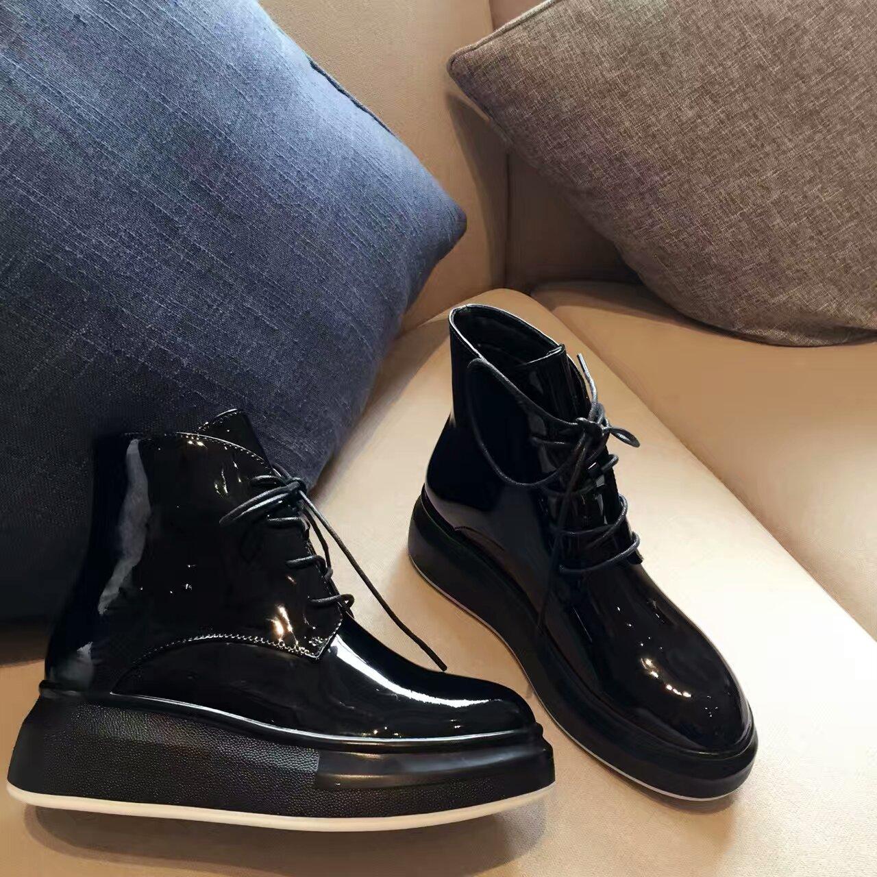 【Mc Queen•麦昆】16秋冬新款!时尚厚底高帮运动短靴!