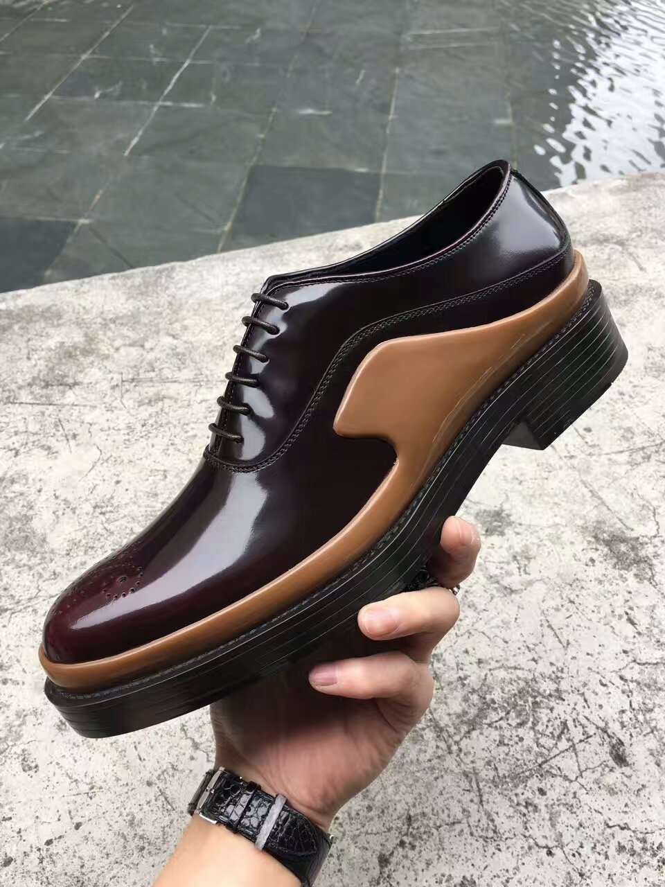 Prada新款男士皮鞋