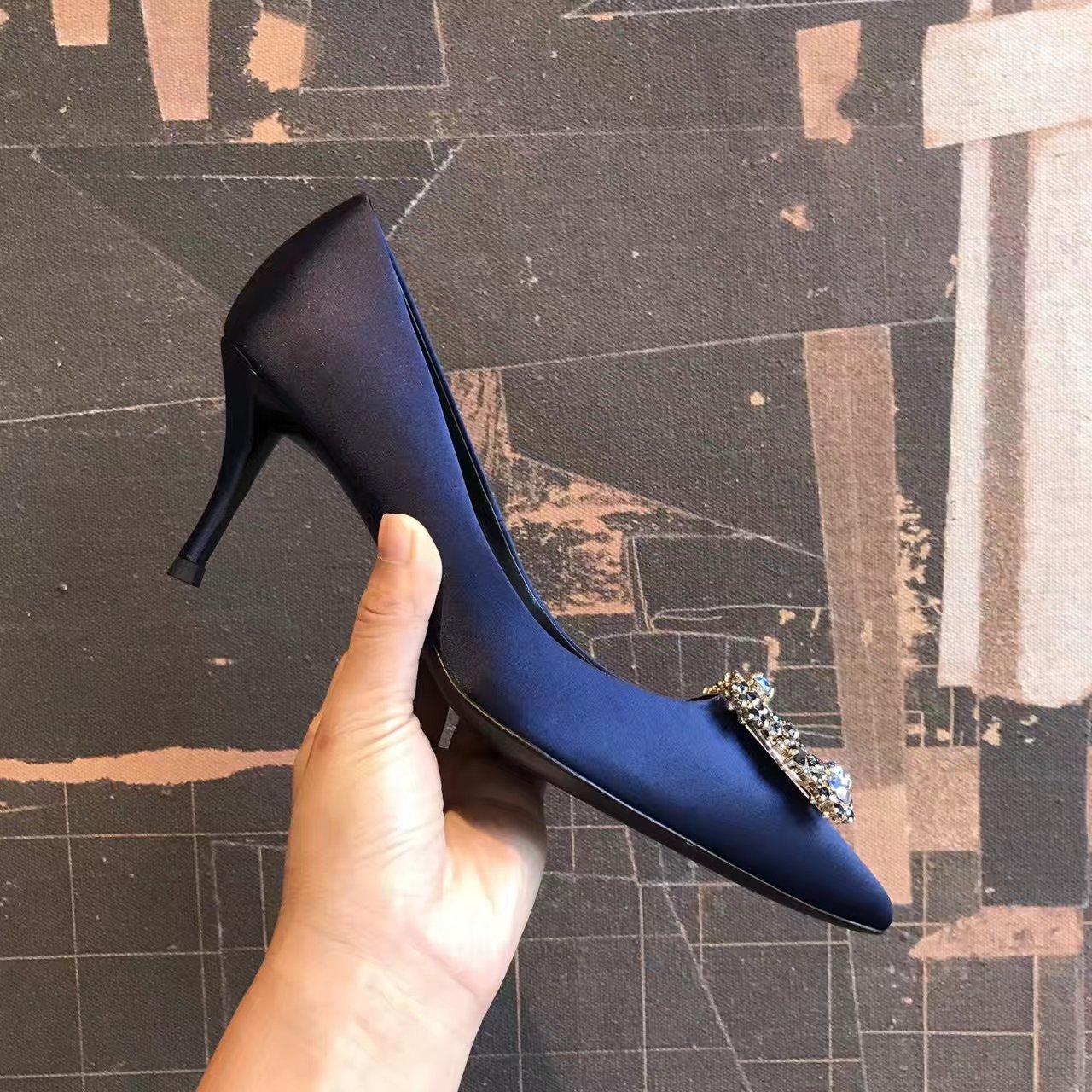 Roger Vivier单鞋 蓝色大海传说同款Vip限量款高跟单鞋