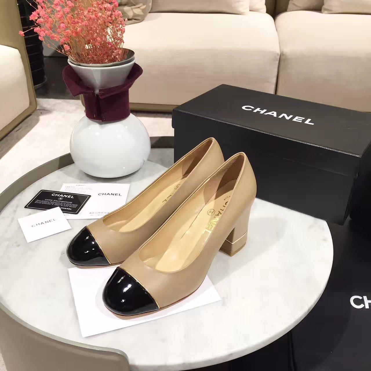 CHANEL女鞋_香奈儿圆头粗跟单鞋是永不落幕的经典