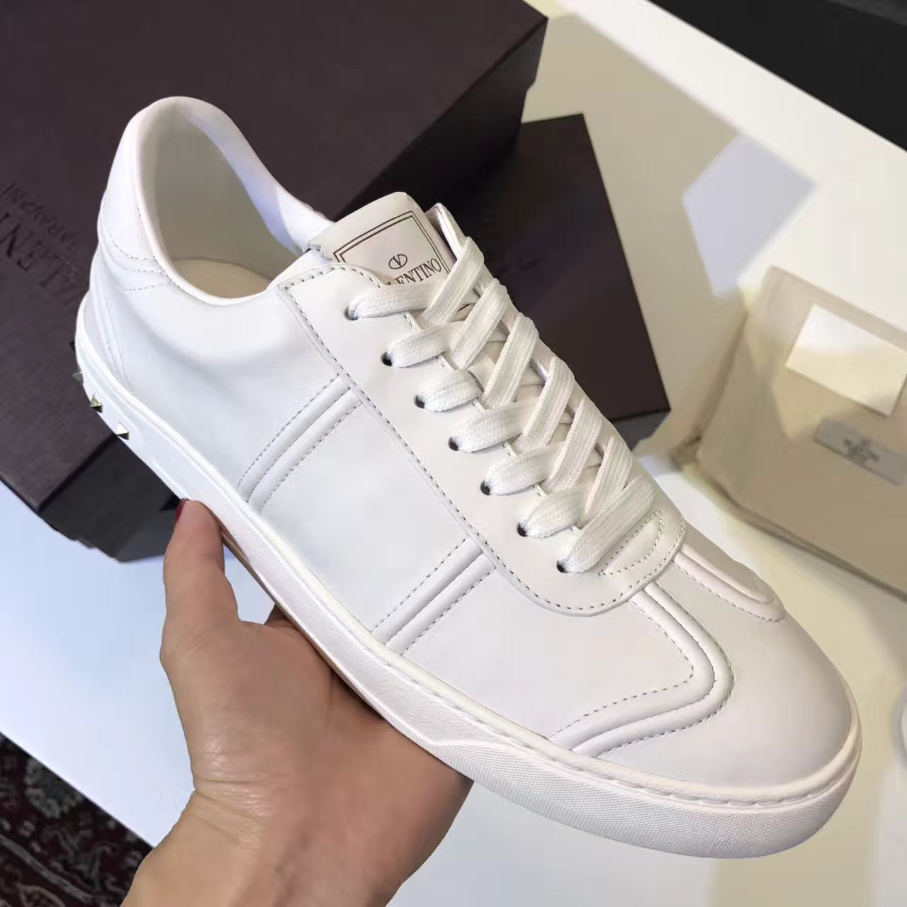 Valentino小白鞋 Garavani Flycrew 运动鞋 白色小牛皮休闲鞋
