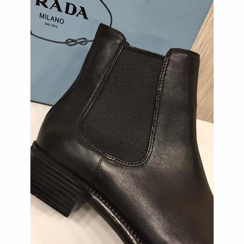 【PRADA】新款短靴每年秋冬必火的切尔西短靴