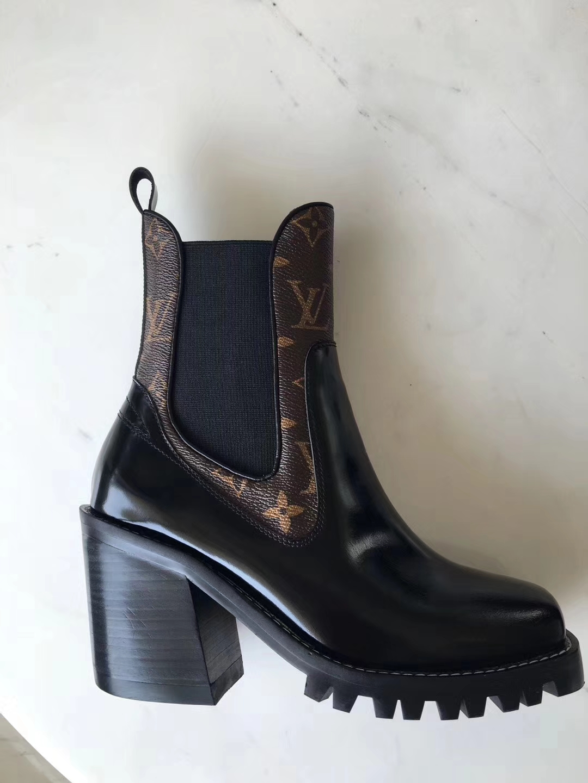 LOUIS VUITTON短靴 专柜版本到货!