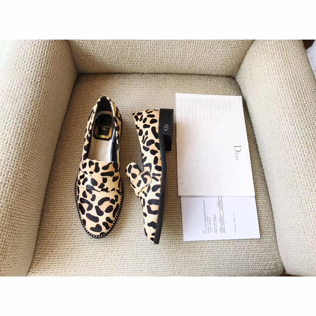Dior单鞋17ss爆款真皮平底单鞋来袭原版购入