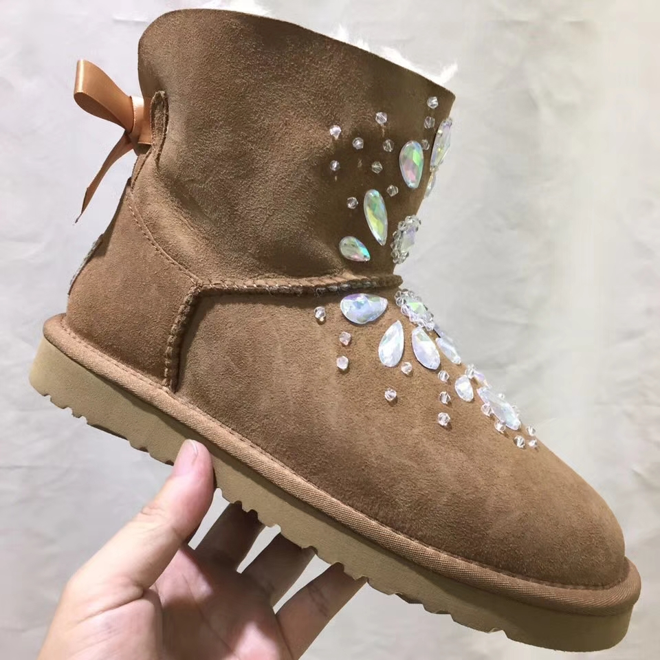UGG雪地靴 2017新款水钻雪地靴 A级羊皮毛一体