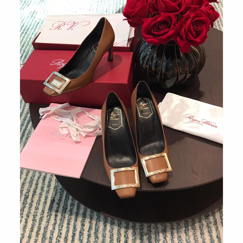 Roger Vivier女鞋单鞋 香蕉跟系列高跟鞋