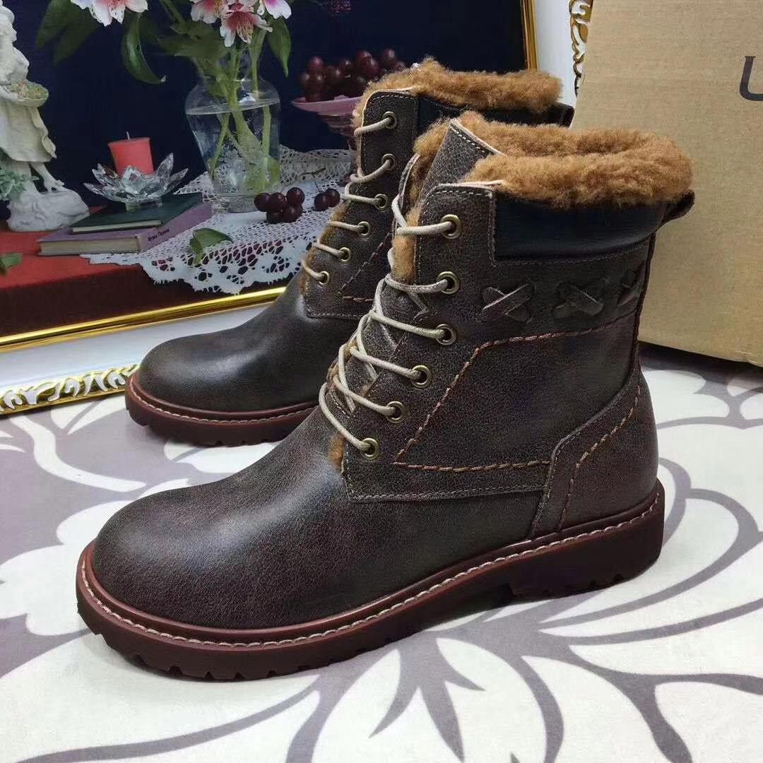 17新品UGG雪地靴 更新版女款短靴