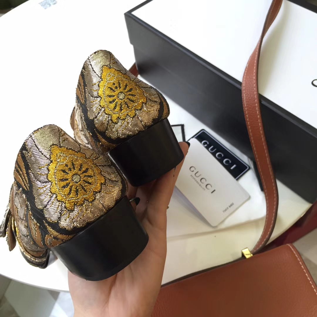 Gucci女鞋 限量款粗跟单鞋!