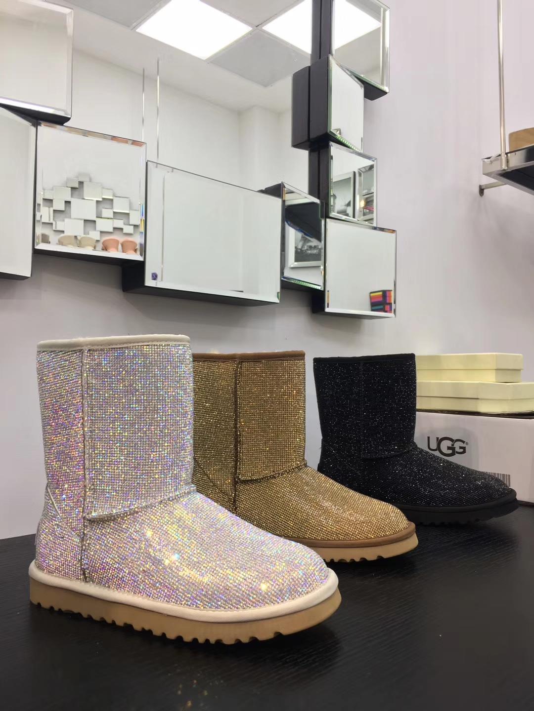 UGG雪地靴 全钻羊皮毛一体短靴