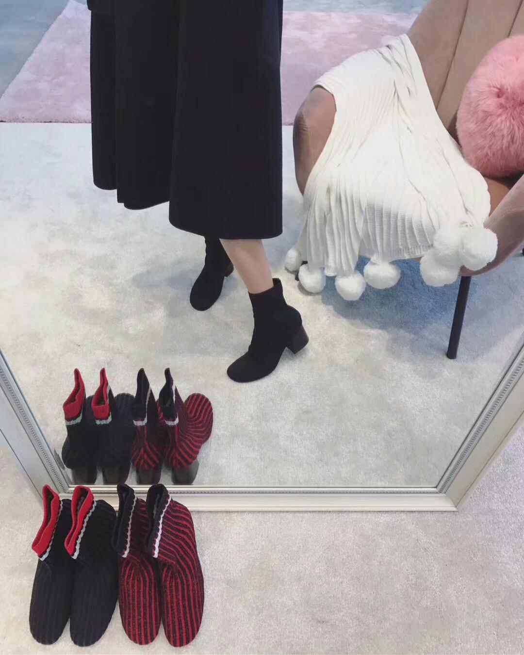 Celine 袜子鞋!超经典的一款百搭短靴