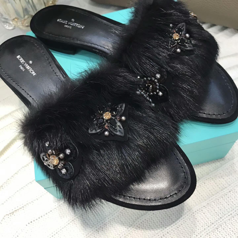 路易威登️女款拖鞋 代购级别!Lv水貂毛拖鞋!