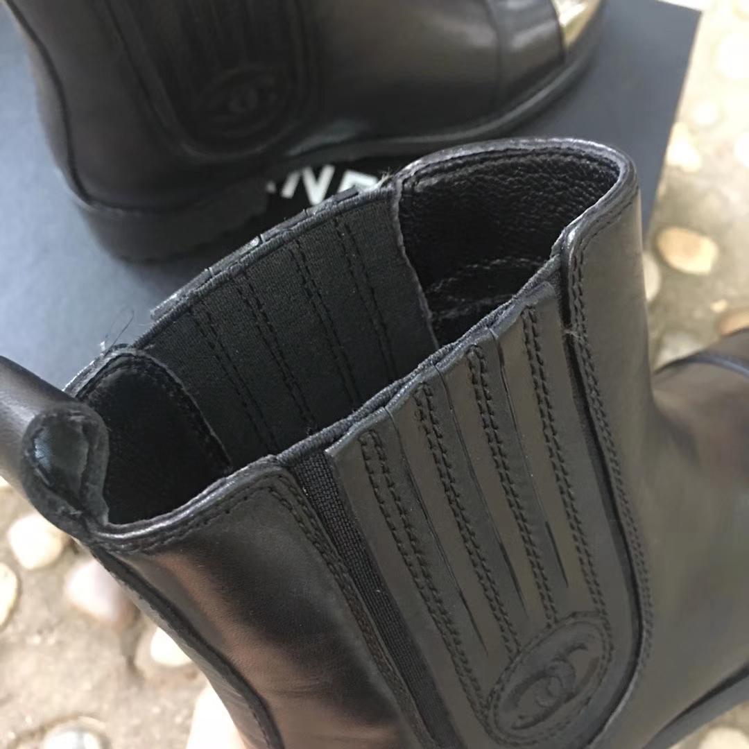 CHANEL经典款菱格短靴