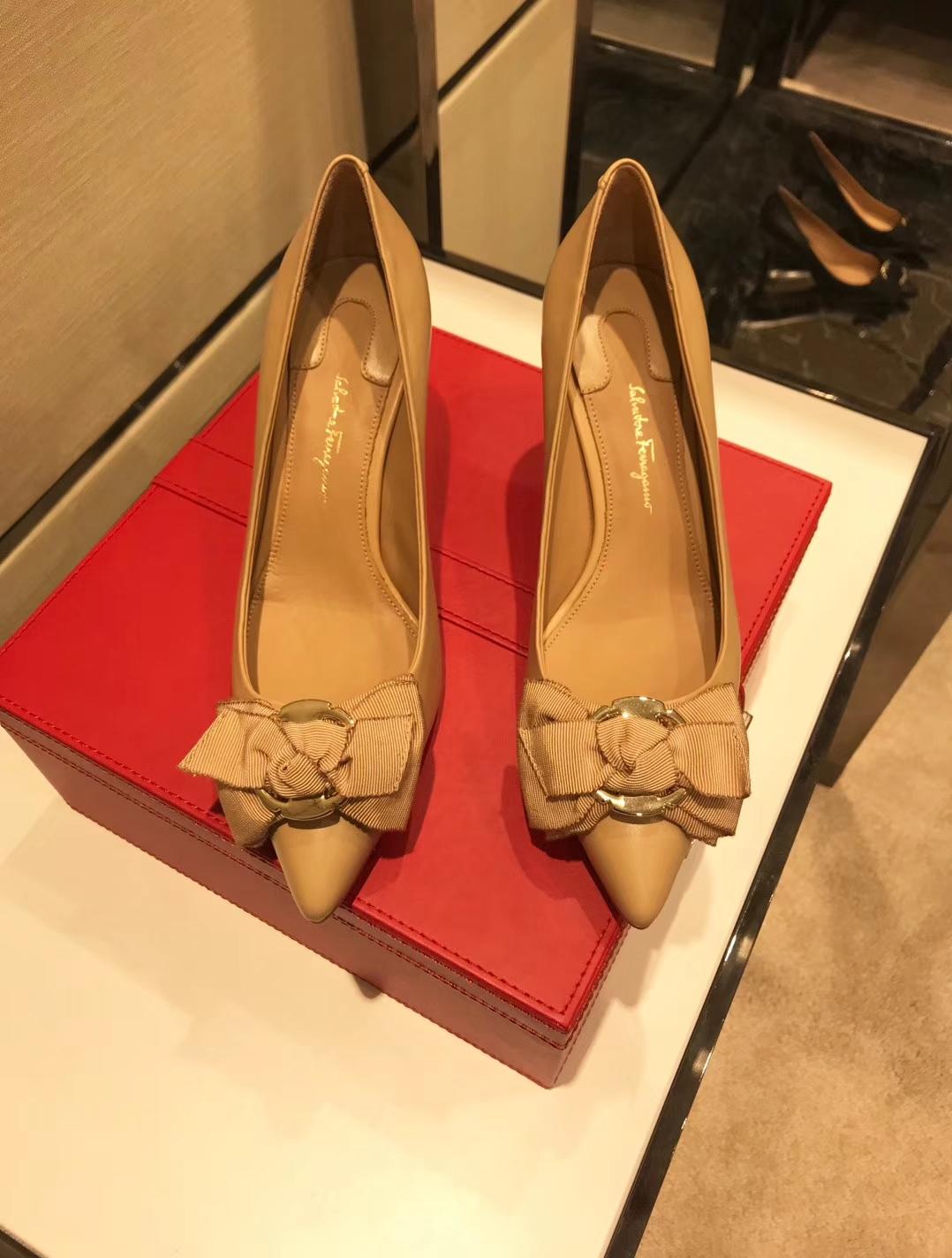 Salvatore Ferragamo菲拉格慕蝴蝶结高跟鞋2018专柜同步发售