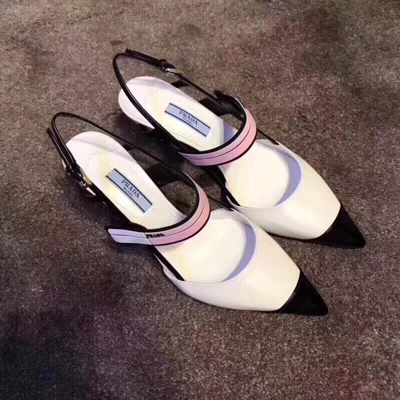 PRADA凉鞋 普拉达最新网红走秀新款凉鞋