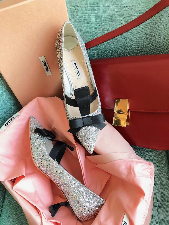 miumiu新款中跟单鞋价格