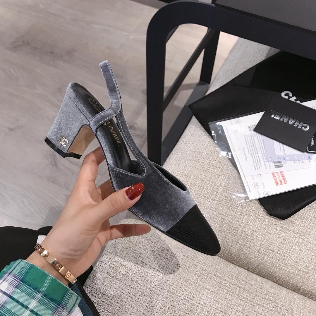 Chanel系列2018春夏新款凉鞋粗跟