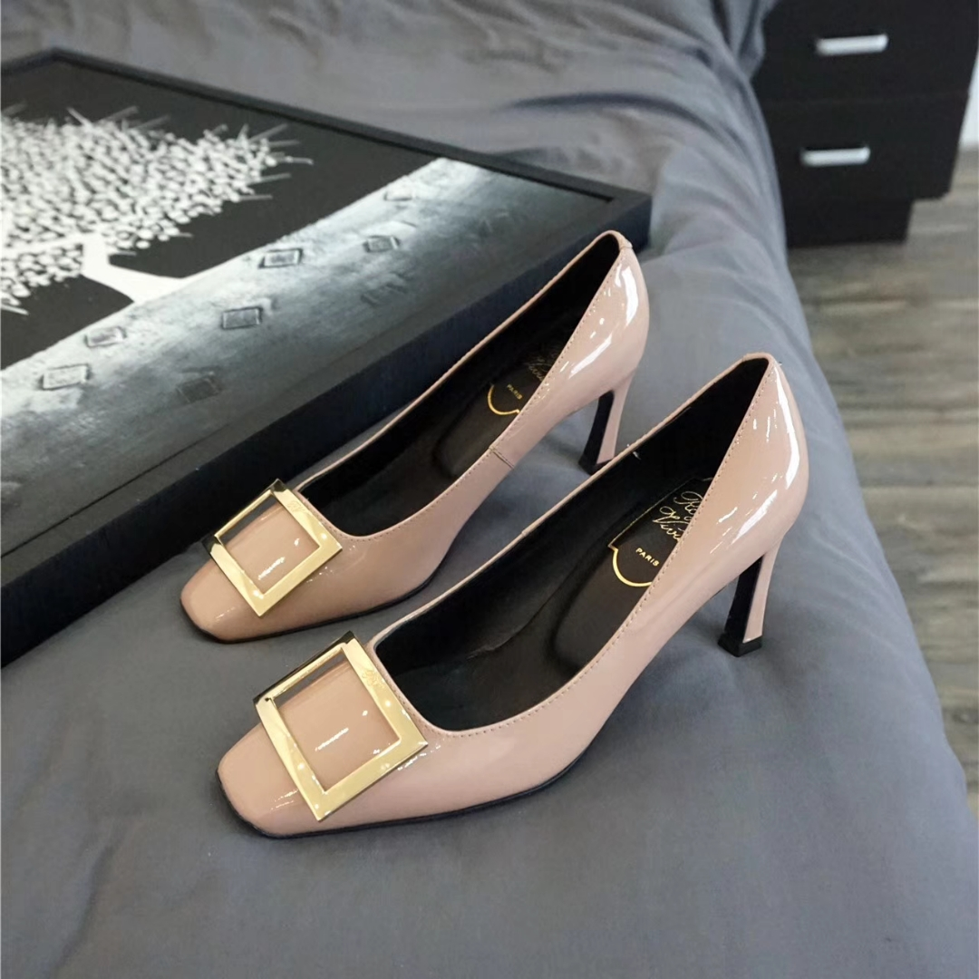 RV 方扣漆皮高跟鞋 细跟单鞋 现货发售‼️