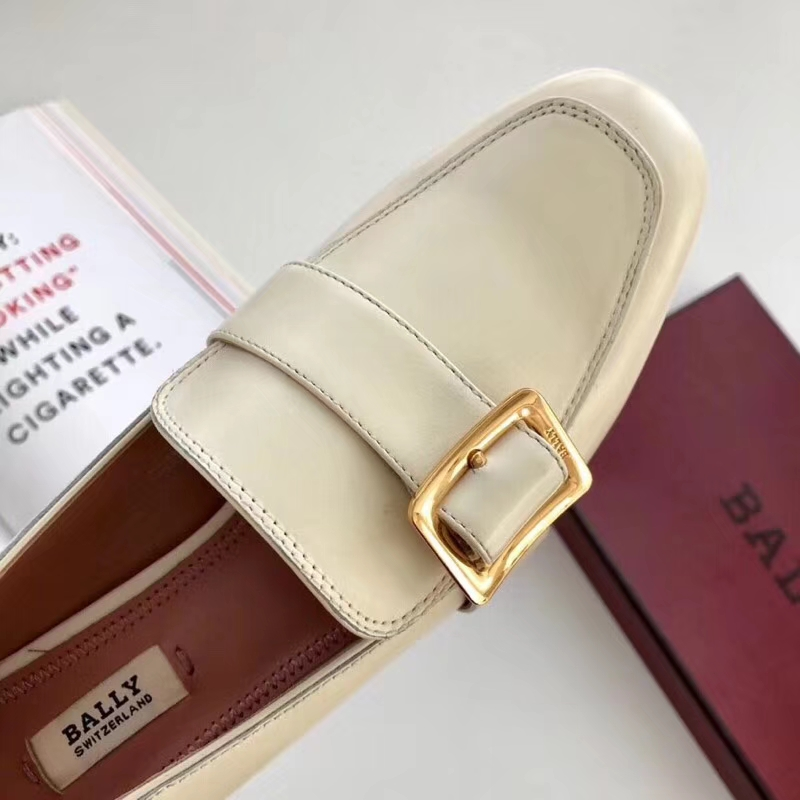Bally Janelle Loafer 方扣低跟款单鞋