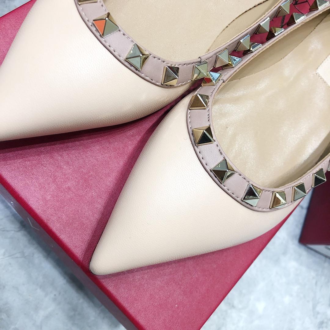 高仿Valentino单鞋 华伦天奴平底单鞋 经典中的经典真皮女鞋