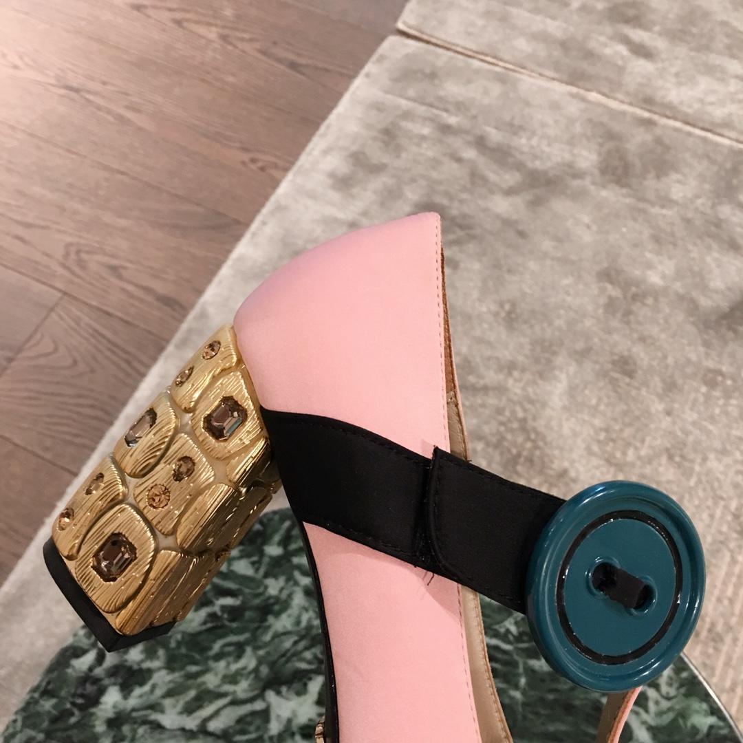 PRADA女鞋 普拉达高跟鞋 2019专柜最新早春款单鞋