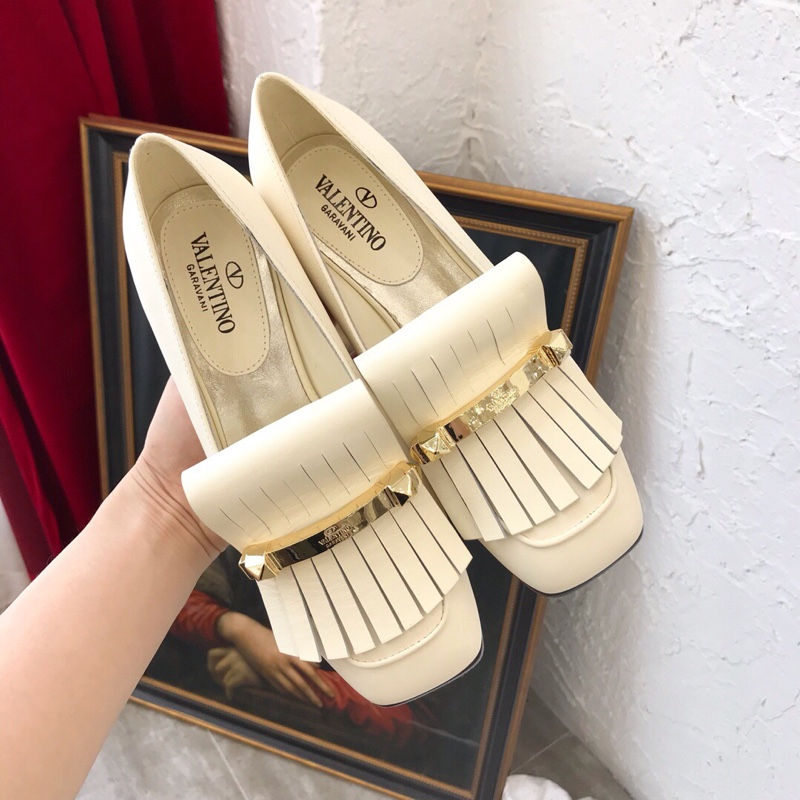 Valentino华伦天奴单鞋-19ss早春新款杨幂同款金属流苏单鞋
