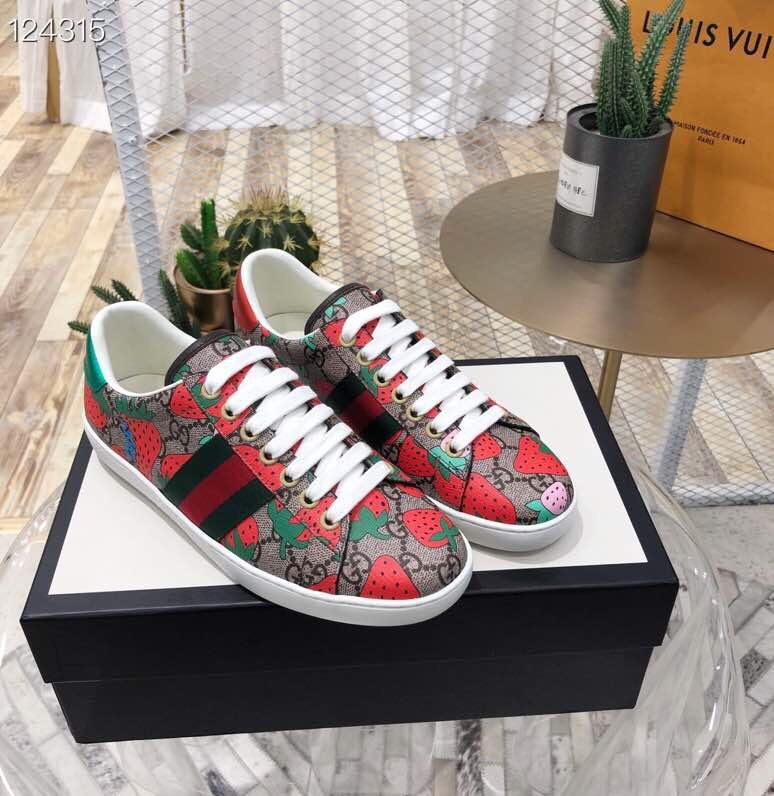 古驰情侣款小白鞋 19年GUCCI专柜新款休闲小白鞋