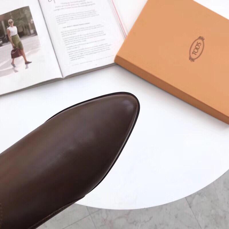 托德斯新款短靴2019英伦风Tods尖头平底短靴踝靴