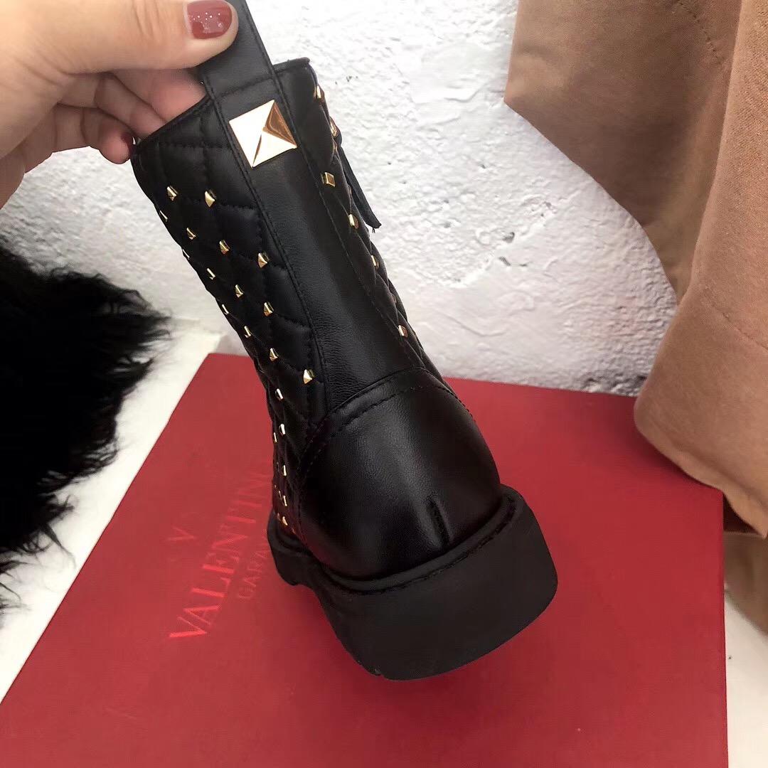 Valentino新款短靴 2019华伦天奴铆钉女款短靴