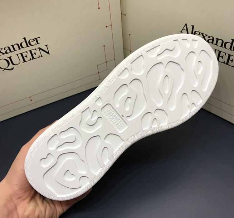 McQueen 麦昆最新款小白鞋 1:1复刻情侣款休闲鞋 粉色羊猄