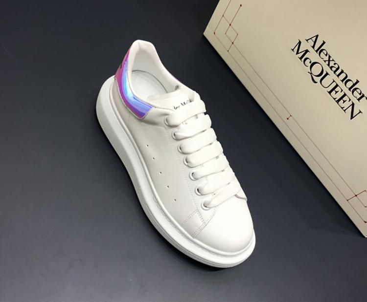 McQueen 麦昆小白鞋 1:1复刻情侣款休闲鞋 幻彩尾