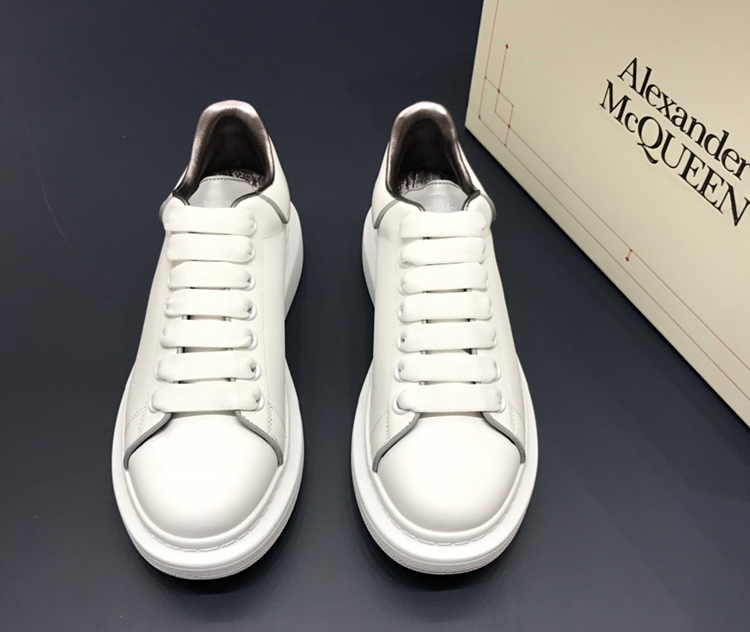 McQueen休闲鞋 麦昆最新款小白鞋 1:1复刻情侣款小白鞋