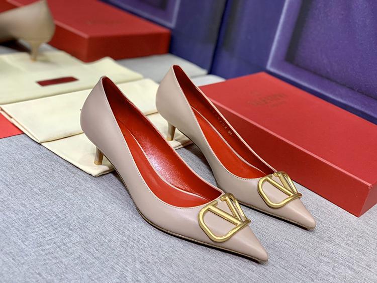 Valentino单鞋 2020款官网同步上新华伦天奴中跟单鞋